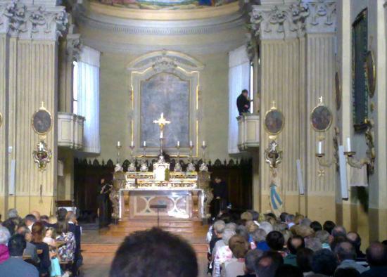 Quattro Castella, Italie : L'interno della chiesa