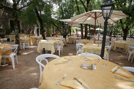 Restaurant du Chateau: La terrasse de jour