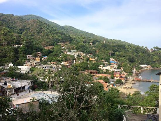 Yelapa English Spanish Institute : Jauanita's pretty terrace somewhat destroyed my me and my fun loving toddler