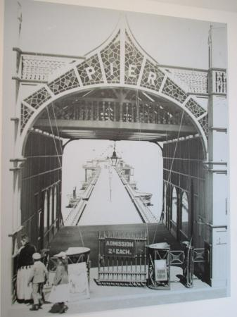 Scarborough Art Gallery: The Pier in Scarborough's Bay which was destroyed in a storm in 1906
