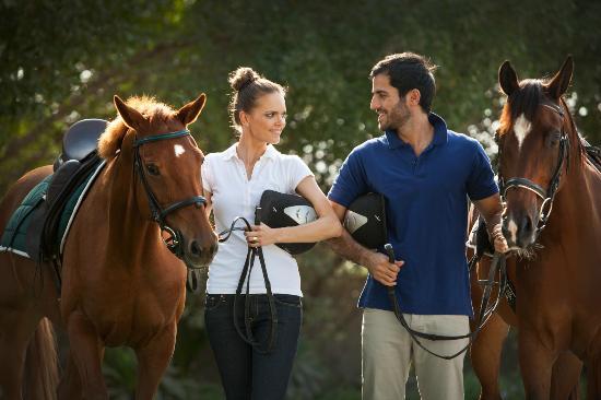 JA Jebel Ali Beach Hotel: Horse riding