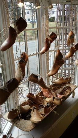 Washington, VA: Vintage window displays, shoe forms & Hungarian Dough Bowl