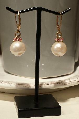 Washington, VA: Pearl earrings