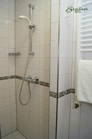 Hotel Breitner: Shower