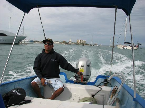 Whale Shark Boat Tours : On the boat out to visit the whale sharks!