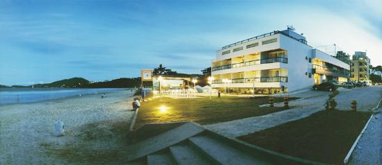 Pousada Garateia : Suites beira mar na praia de Bombas