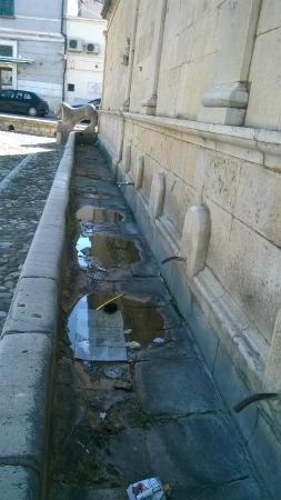 Fontana Angioina
