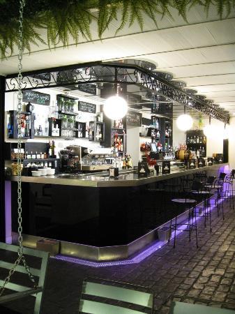 Basarri Restaurant Gin Club