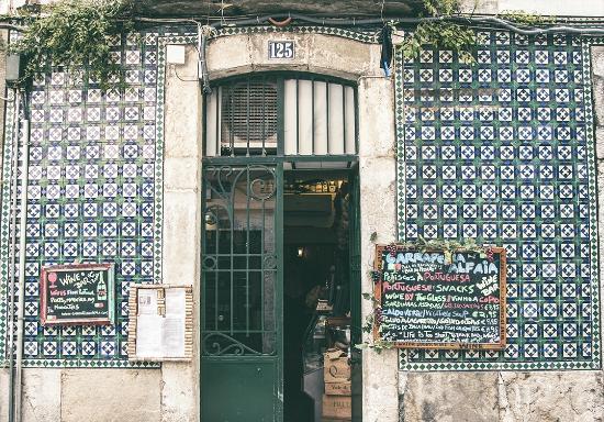 Alfaia Garrafeira: Nossa casa.