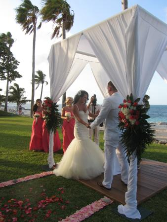 Hotel Riu Palace Peninsula Wedding Ceremony