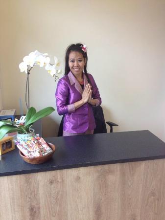 how to write sawadee ka in thai