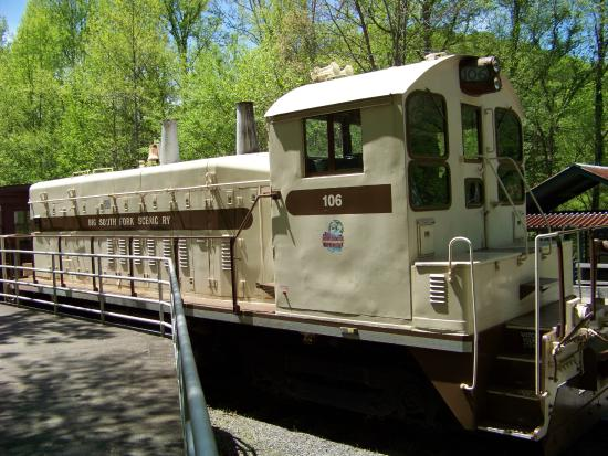 train that takes visitors from Stearns