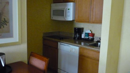 Homewood Suites Daytona Beach Speedway - Airport: Kitchen area