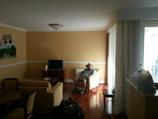 Queen's Court Hotel & Residence: Suite