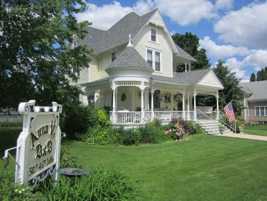 Anna V's Bed and Breakfast: Anna V's