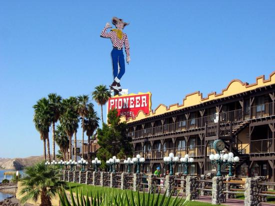 Laughlin Hotels - Pioneer Hotel and Casino - Laughlin NV