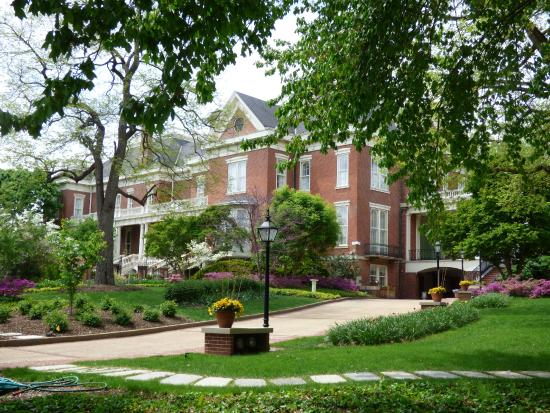 Executive Mansion : Grand entrance