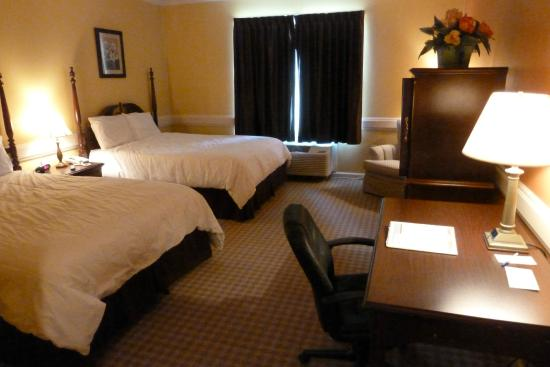 Inn at Mountainview: Double Queen room