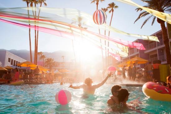 Palm Springs, CA: Sip. Splash. Repeat.