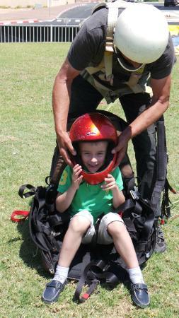 7 Winds Tandem Paragliding: Нетания
