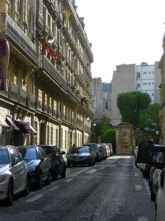 Le Cardinal Hotel: Hotel set on a quiet residential street