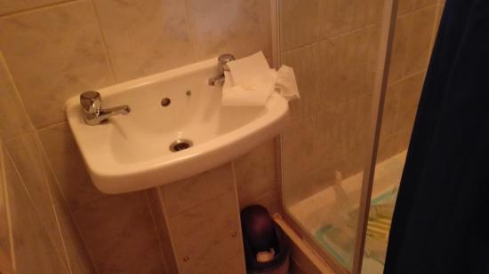 Hotel Sophia: Il lavabo microscopico
