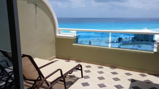 Grand One Bedroom Master Suite Ocean View 2652 Picture