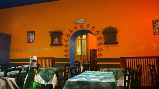Men groupon picture of dawat indian restaurant milan for Milan indian restaurant