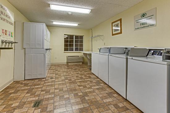 Candlewood Suites Lake Mary: Laundry Room