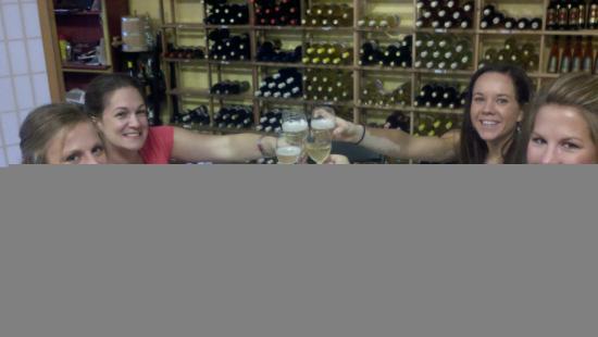 Noni Bacca Winery: Cheers