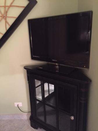 Island Sands Resort: Master Bedroom TV 512