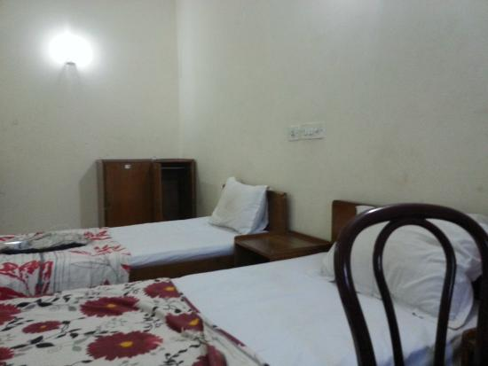 IYH New Delhi (International Youth Hostel): AC Dorm