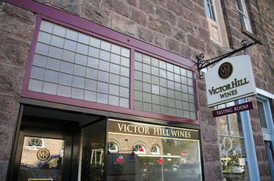 ‪Victor Hill Wines‬