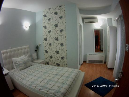 pamela hotel single room
