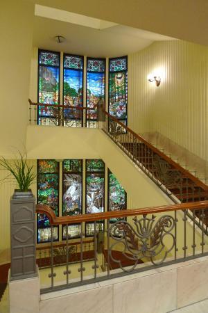 Danubius Hotel Gellert: Лестничные пролеты между этажами.