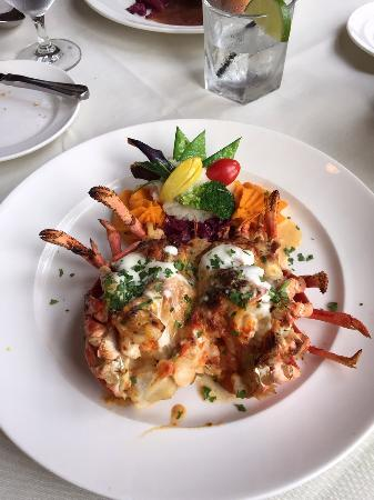 Restaurant Bouchard: Stuffed lobster