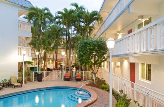 Residence Inn Miami Coconut Grove: Outdoor Swimming Pool