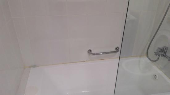 U Coral Beach Club Eilat: מקלחת