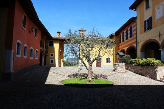 Agriturismo Macesina: Il cortile interno
