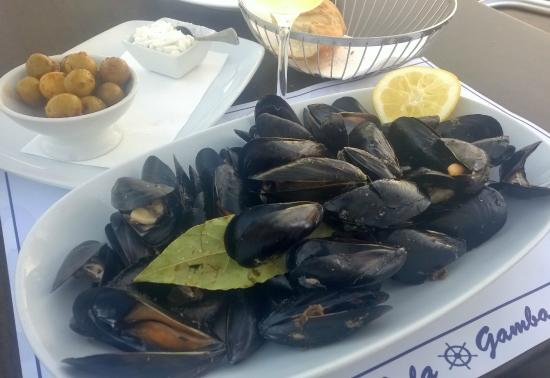 Muscles picture of cafeteria restaurante club nautico - Restaurante club nautico zaragoza ...