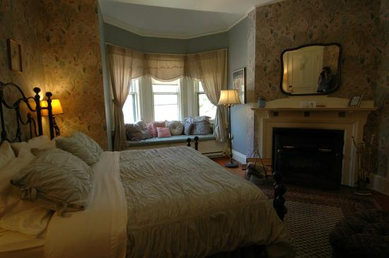 Apple Tree Inn: Room #4