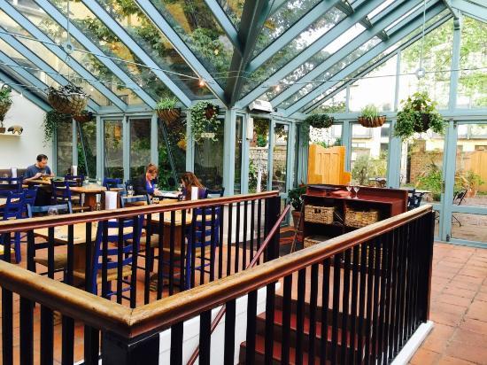 Storyteller Restaurant & Wine Room : Inside View