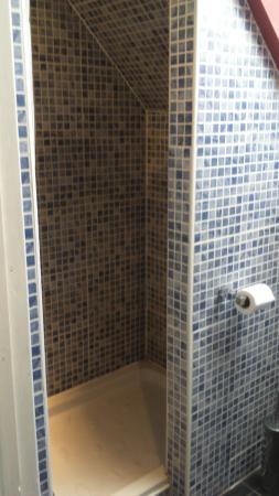 Grange Guest House: Shower cubicle