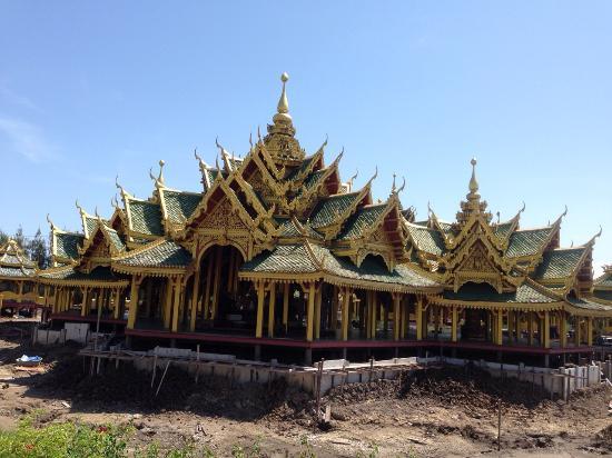 建造中?名前わかりません(^-^; - Picture of Ancient City (Mueang Boran ...