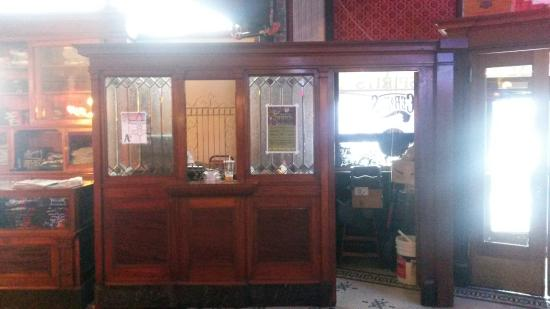 Cerno's Bar and Grill - Kewanee, IL - cashier's cage