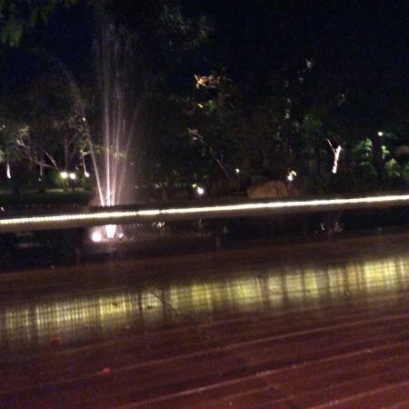 Chompor Lanna: 夜