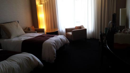 Hotel Granvia Kyoto: 部屋(暗くてすみません・・・)