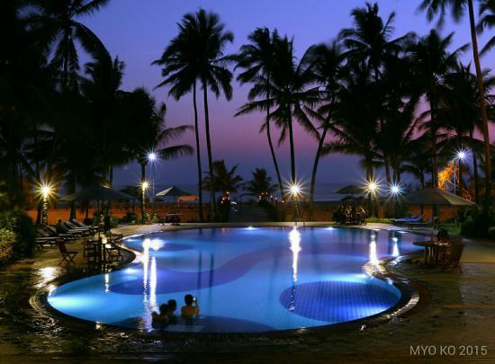 Myanmar Treasure Resorts - Ngwe Saung: Nice Seen Pool Side