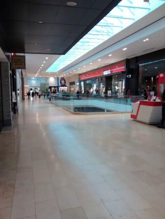 Square One Shopping Centre : 1