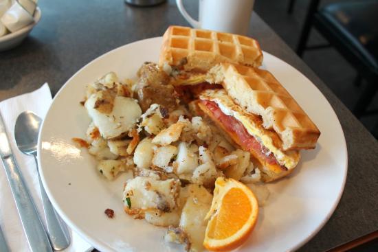 Joe's Grill : Waffle Sandwich